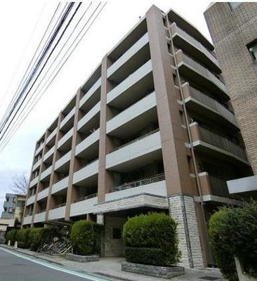 「府中」駅徒歩6分、「府中本町」駅徒歩9分、3路線利用できる便利な立地です。