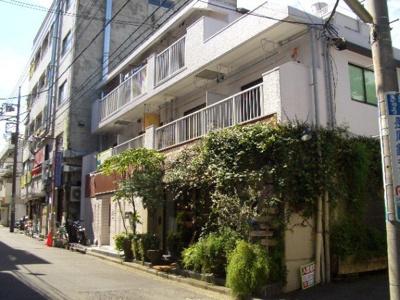 東急東横線「日吉」駅より徒歩4分!鉄筋コンクリートの3階建てマンションです♪通勤通学はもちろん、お買い物やお出かけにもGood☆