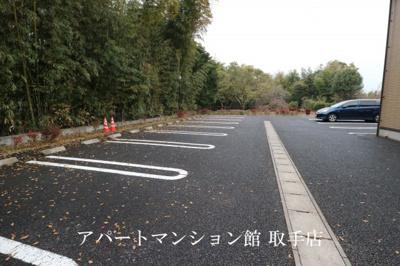 【駐車場】パーク・ヒルズ利根弐番館