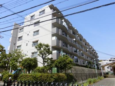 【現地写真】 総戸数76戸のマンションです♪