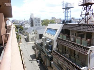 【現地写真】 5F現地バルコニーからの眺望です♪
