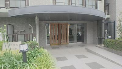 【エントランス】コスモ浦和別所沼公園
