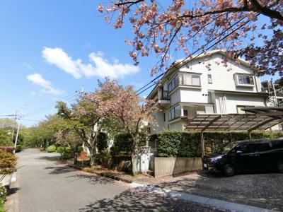富士山・箱根連山を一望! 2世帯住宅も可能な大型邸宅!