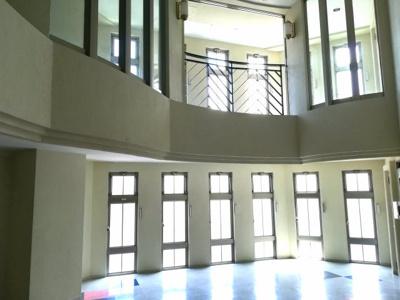 4階住居部分エレベーターを降りると快適な空間が広がります。