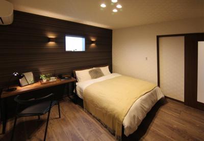 寝室はシックに!ゆっくりできそうな心地よさがあります!落ち着いて過ごせるお部屋なので、寝室にいかがでしょうか!当社施工例です!