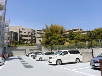 【現地写真】 現地駐車場となっております♪ 敷地内にあるととても便利ですよね♪
