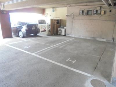 【駐車場】ジェイクィーン湯里