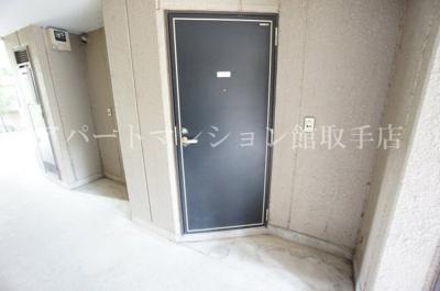 【玄関】ラフォーレ白山