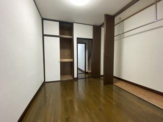2階 和室続き洋間 収納たっぷりです。