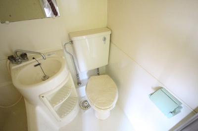 三点ユニット内トイレ