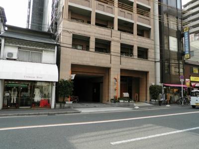 雑貨屋さんやパン屋さん、カフェなど話題のお店が集まる中崎町エリアです。