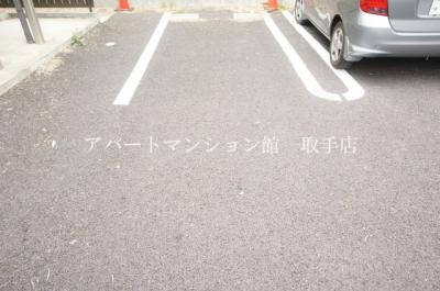 【駐車場】HITエルメゾン