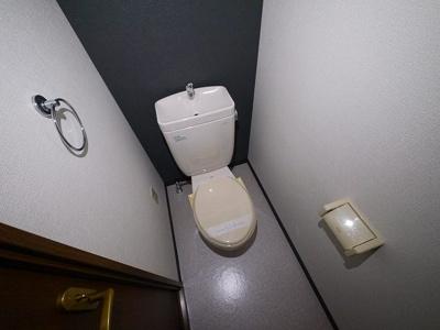お風呂・トイレ別々で快適に過ごせます。
