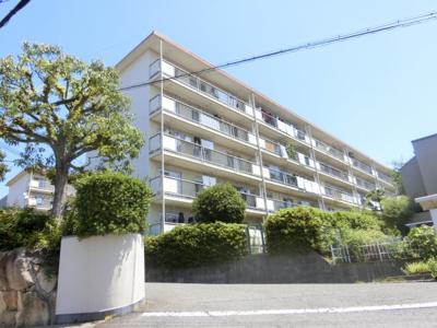 【現地写真】 総戸数30戸のマンションです♪