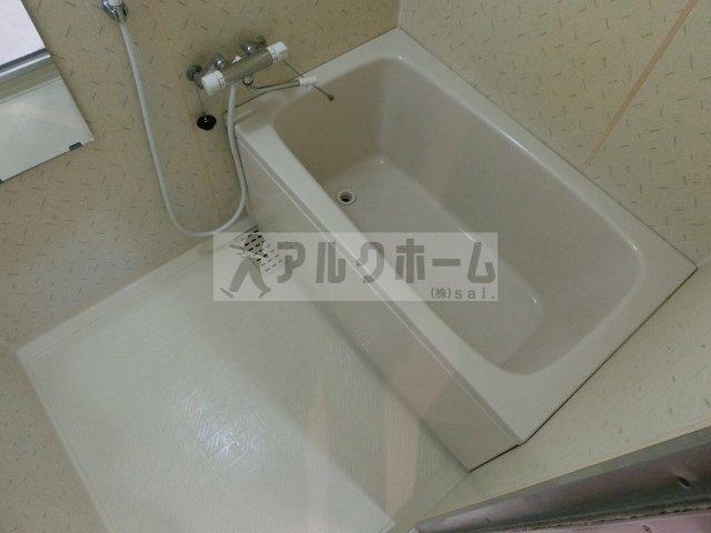 グラード柏原(旧:メゾンドュポルテマイヨ) 浴室