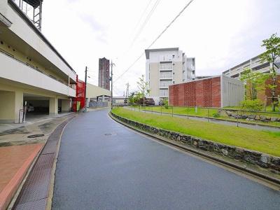 【周辺】クレアーレ学園前