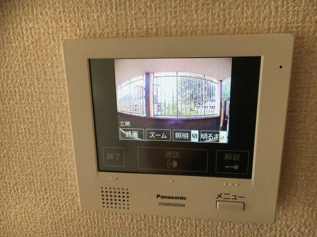 防犯対策に有効なカメラ付きインターホン♪録画機能が付いているので留守中の訪問者まで確認できます♪