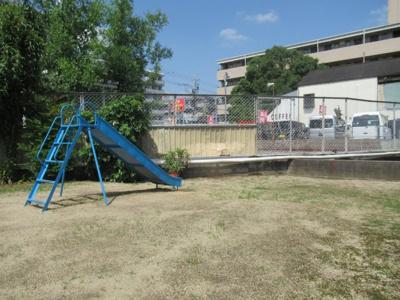 敷地内に公園があります