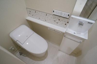 人気のシャワートイレ・バストイレ別!シャワートイレ必須という方も安心ですよね♪