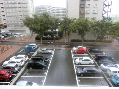 【現地写真】 現地駐車場です♪ 広い駐車場なので、駐車もらくらくですね♪