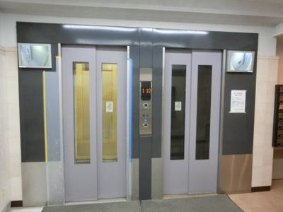 【現地写真】 本物件8Fですが、エレベーターがございます♪