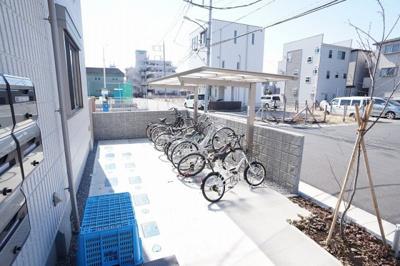サイクルラック設置の自転車置場です。