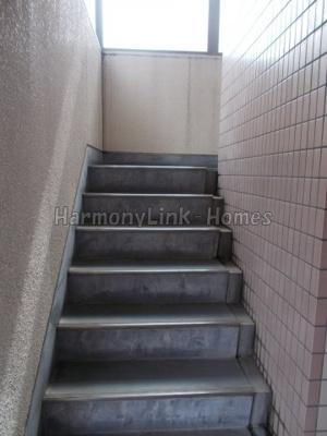 ライブコア目白の階段★