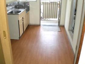 キッチンの床はクッションフロア