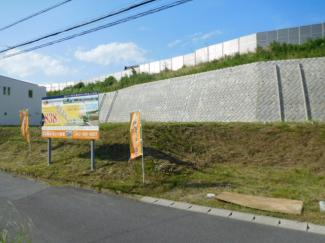 グランファミーロ国分寺 土地 五井駅 南道路に面した陽当たり良好な土地です。開放的で注文住宅におススメ!! 隣接地とも離れています。