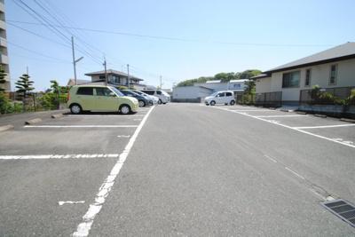 【駐車場】サンコーポ国分