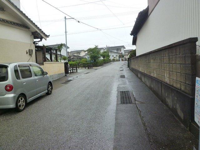 【前面道路含む現地写真】赤岡町