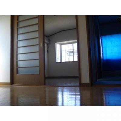 ジュネス桜木の洋室