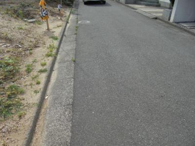 【前面道路含む現地写真】枚方市黄金野 新築一戸建て