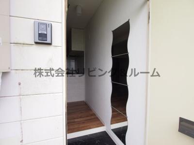 【玄関】リバーサイド天川・B棟