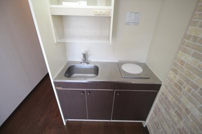 室内に洗濯機置き場があります。