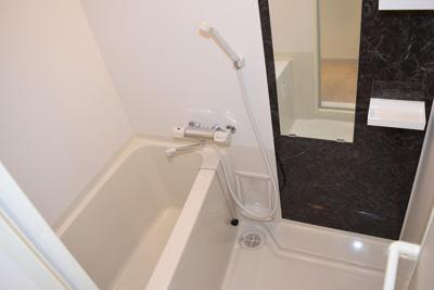 【浴室】ルーエ本町