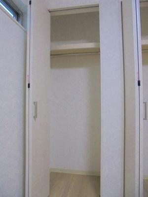 洋室5帖 クローゼット