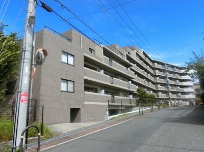 【現地写真】 総戸数55戸のマンションです♪