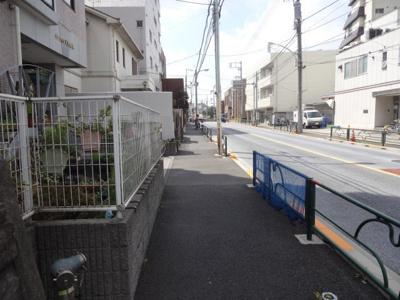 サンライン上野桜木 物件前 言問通り沿いの物件です!