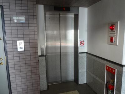 サンライン上野桜木 エレベータ