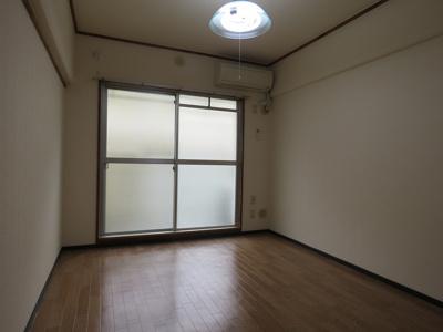 【居間・リビング】ゼンコウコーポラス1号棟