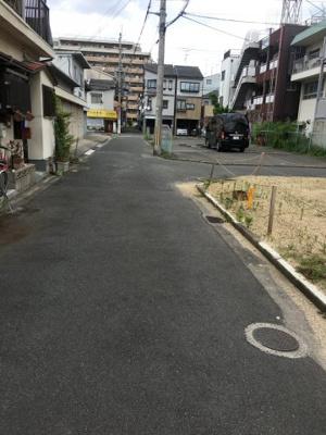 【前面道路含む現地写真】寝屋川市下神田町中古物件