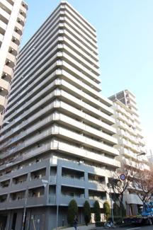 便利な立地に建つ平成15年2月築の20階建マンションです♪