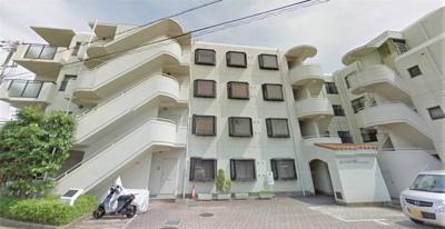 【現地写真】 鉄筋コンクリート造の4階建♪ 陽当たりに良いマンションとなっております♪