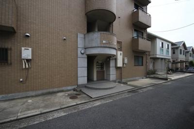 【エントランス】秋田マンション