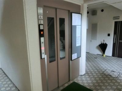 【現地写真】 エレベーター付きマンションです♪