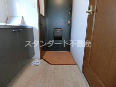 【玄関】メゾン・ド・ヴィレしうん福島