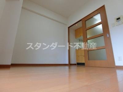 【居間・リビング】エステムプラザ梅田・扇町公園パークランド