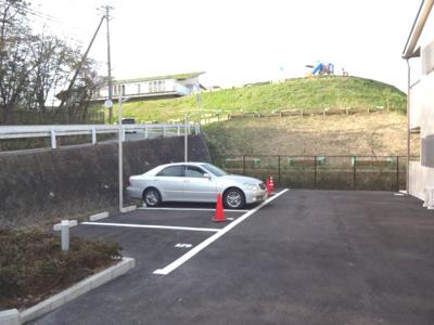 【駐車場】アムシュロス神戸北
