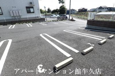 【駐車場】ヴィラ・エレガント